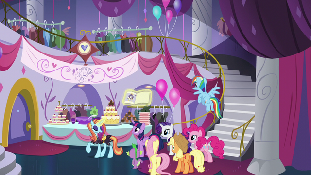 """File:Sassy's first piece of pattern """"Beautify the Boutique!"""" S5E14.png"""