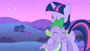 Spike e Twilight se abraçando T1E24