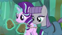 Starlight removing her and Maud's cowbells S7E4