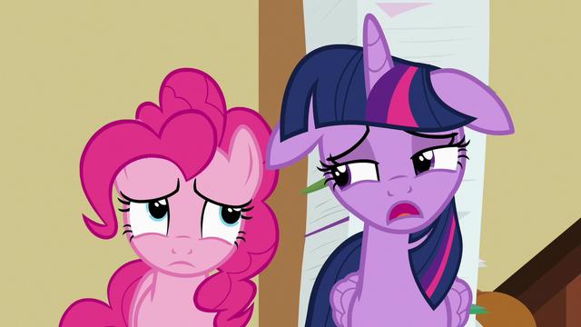 "File:Twilight Sparkle ""we'll take three of those"" S7E3.png"