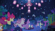 Twilight and the Crusaders swimming in Seaquestria S8E6