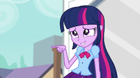 Twilight pointing to her doppelgänger EG3