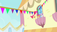Apple Bloom grabbing flag line with her tail S4E19