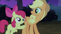 Apple Bloom pointing at Silver Shill S4E20