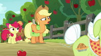 "Applejack ""don't have time to work"" S9E10"
