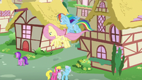 Fluttershy and Rainbow return to Ponyville S6E11
