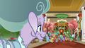 Mistmane observes Sable Spirit's kind rule S7E16.png