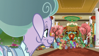 Mistmane observes Sable Spirit's kind rule S7E16