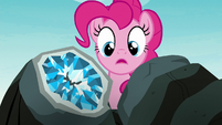 Pinkie Pie sees the geode split in half S8E3