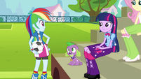 Rainbow Dash falando com Twilight EG