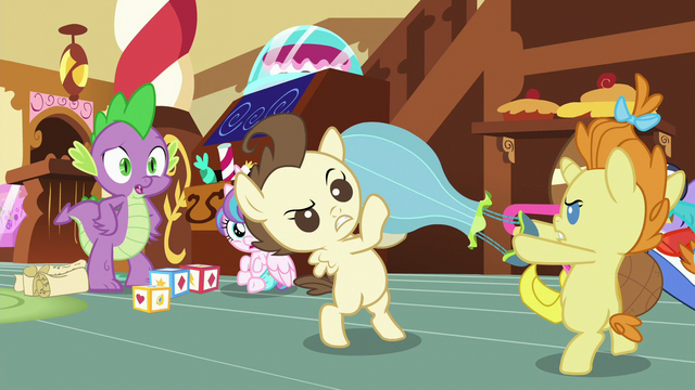 File:Spike tells Pound and Pumpkin to stop fighting S7E3.png