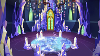 Twilight Sparkle pacing in the throne room S9E1