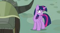 Twilight looking at yaks nervously S5E11