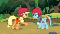 Applejack -gonna give that teachin' trophy- S8E9