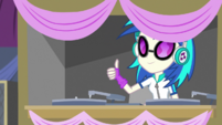 DJ Pon-3 ready to play music EGS1