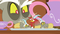 Discord looks at Mini-Discord disapprovingly S7E12