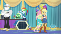 Fluttershy bumps into Applejack EGDS35