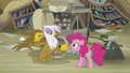 Gilda demands bits from Pinkie S5E8.png