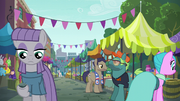 Maud Pie at Manehattan flea market S6E3