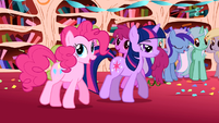Pinkie Pie 'I just had to throw a party, ya know-' S1E1