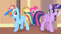 Rainbow and Twilight enters the room S4E08