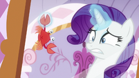 Rarity disgusted by the crab S6E22