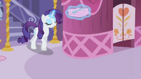 Rarity walking out S2E05