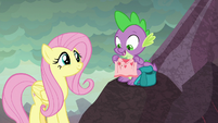 """Spike """"finish this comfort blanket"""" S9E9"""