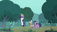 Twilight and Spike carry friends to safety S8E11