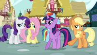 Applejack pushes Twilight S4E18