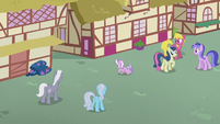 Diamond gallops into Ponyville alleyway S5E18