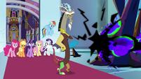 Discord facing King Sombra's magic S9E2