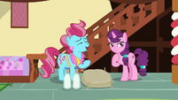 Mrs. Cake -save your mix-up for cake batter- S8E10