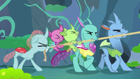 Ocellus and changelings pulling a rope S8E16