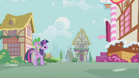 Pinkie Pie beckoning to Twilight and Spike S1E09