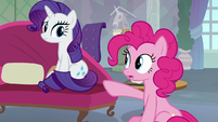 Pinkie Pie pointing at Rarity S8E9