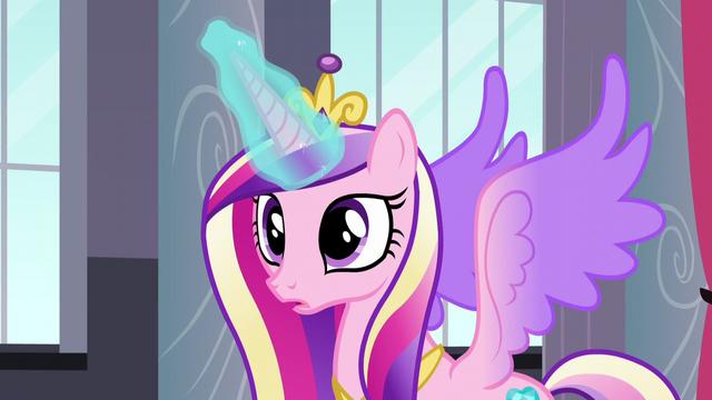 File:Princess Cadance using her magic S5E10.png