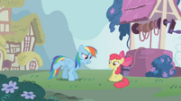 Rainbow Dash e Apple Bloom T1E12