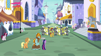 Royal guards saluting to Flash Magnus S8E21