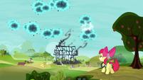 S05E04 Zniszczony dom Apple Bloom