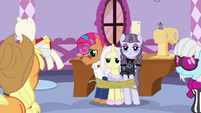 Starstreak, Lily Lace, and Inky Rose tied up in rope S7E9