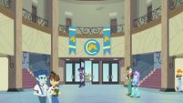 Twilight enters Canterlot High School EG3