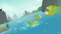 Bite-acudas swim away from Ocellus S8E9
