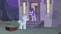 """Double """"but I don't understand why you wanted me to bring them here"""" S5E02.png"""