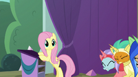 Fluttershy giving Pinkie Pie the signal S8E7