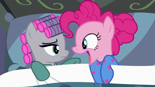 "File:Pinkie Pie ""good night!"" S7E4.png"