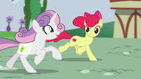 "Sweetie Belle ""grown-up legs are strong!"" S9E22"