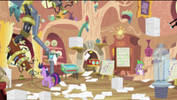 Twilight's messy room S2E20