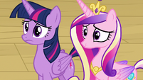 Twilight and Cadance look at Twilight's parents S7E22