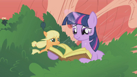 Twilight freaking out S1E8
